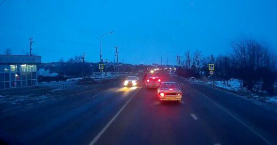 Водитель сбил женщину около Ставрополя и уехал. ВИДЕО