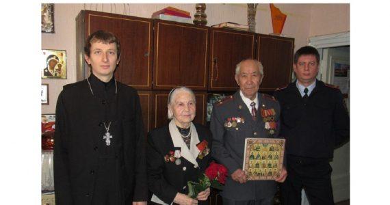 Полицейские Железноводска поздравляют своих ветеранов с праздником