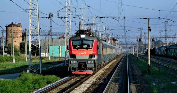 Ставропольские студенты и школьники могут ездить в электричках по абонементам