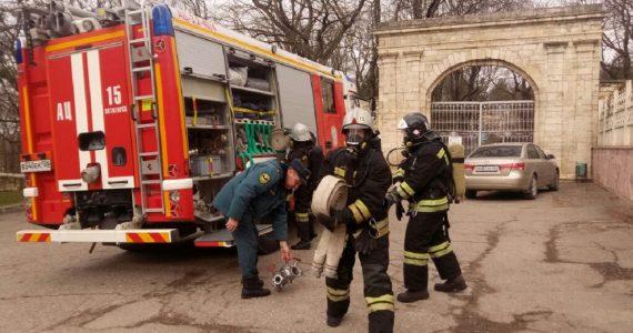 Пожарные МЧС провели учения в церкви Пятигорска
