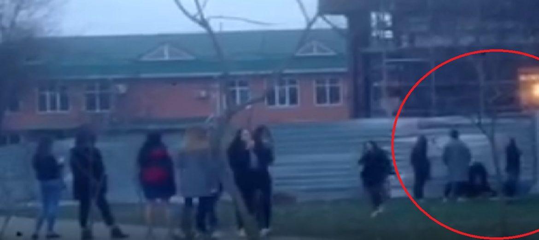 Толпа девочек-подростков избила сверстницу в Будённовске. ВИДЕО