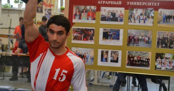 Ставропольские студенты состязались в армреслинге