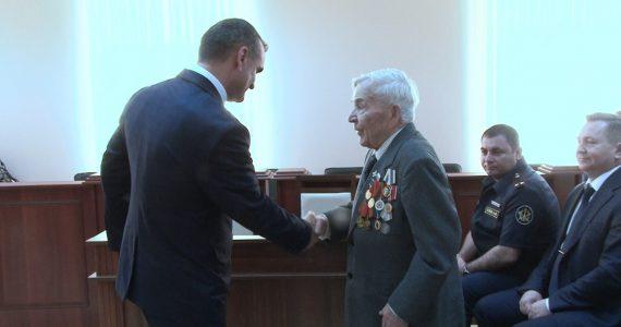 В Георгиевске служители Фемиды  вручили единственному судье в отставке особую медаль