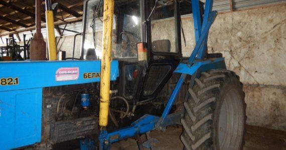 Жители Ипатово угнали трактор, чтобы съездить в магазин