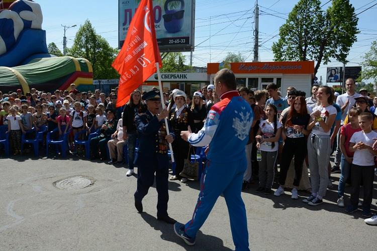 Сотни людей пробежали ипроехали навелосипедах по основным улицам Ставрополя