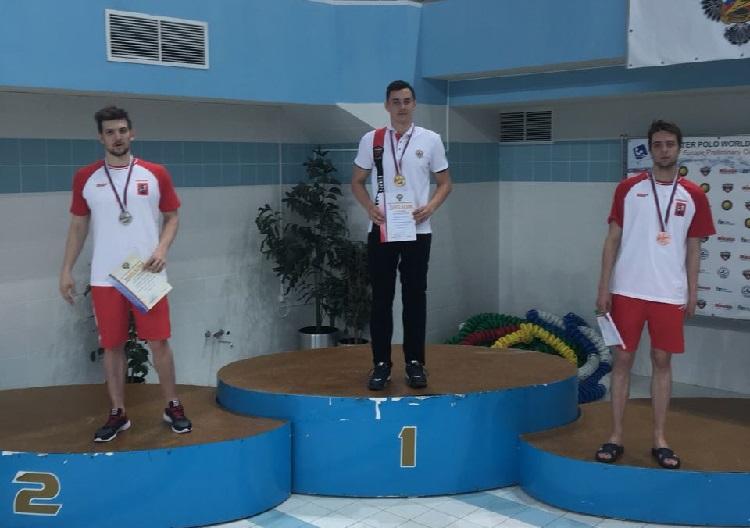 Ставропольский пловец привёз две медали счемпионата Российской Федерации