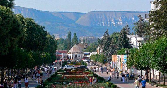 Всё лето в Ставропольском крае будут отдыхать дети-туристы из регионов России