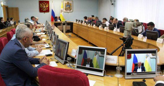 Лидеры национально-культурных объединений и власти Ставропольского края обсудили проблемы межэтнических отношений