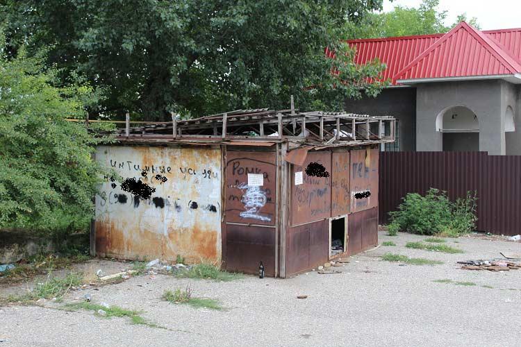 Владельцы добровольно сносят нелегальные торговые павильоны вЕссентуках