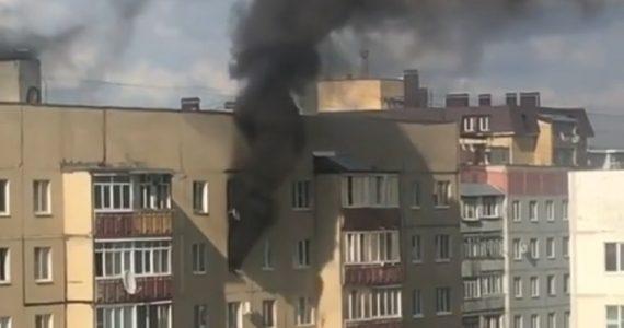 В десятиэтажке Ставрополя сгорела квартира. ВИДЕО