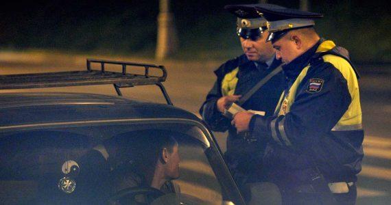 В Арзгирском районе мужчину оштрафовали на 200 тысяч рублей за повторное пьяное вождение