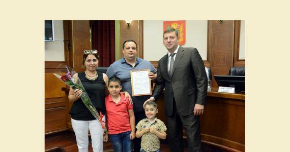 Жилищные сертификаты получили ещё несколько молодых семей Ставрополя