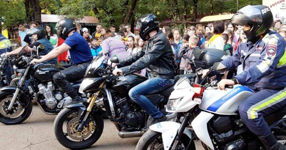 Ставропольские байкеры поддержали акцию ГИБДД «Безопасное лето». Видео