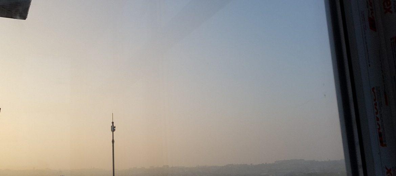 Смог накрыл Ставропольский край из-за пожара на свалке Таганрога. ВИДЕО