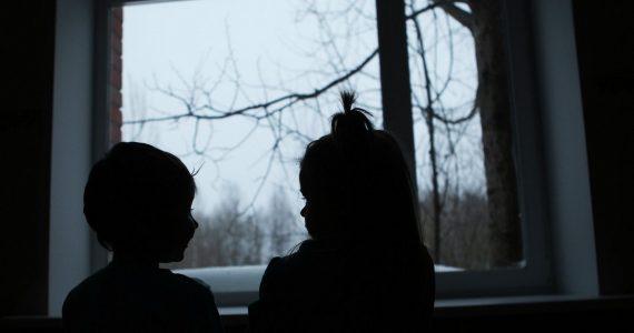 Брат с сестрой в Железноводске 10 лет ждали маму