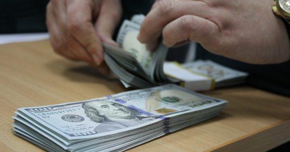 Родственницы пытались вывезти из Минвод в Израиль крупную сумму денег