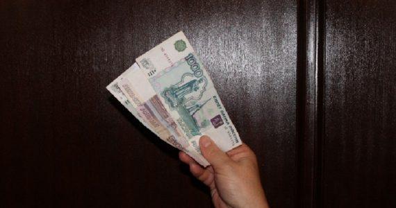 Иностранка пыталась подкупить ставропольского полицейского