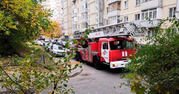 В результате пожара в многоэтажке на юге Ставрополя пострадал 1 человек