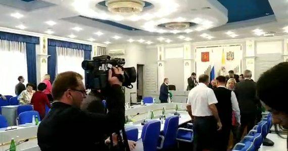 Из Думы Ставропольского края эвакуировали людей. ВИДЕО