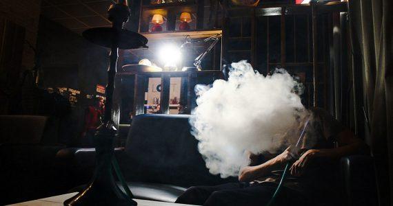 Кальяны и вейпы приравняют к сигаретам. В ОНФ готовят ужесточения