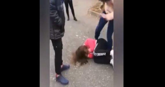 Полицейские проверят избиение школьниц в Минводах