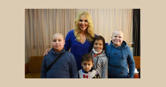 Пелагея навестила ставропольских детей с онкозаболеваниями
