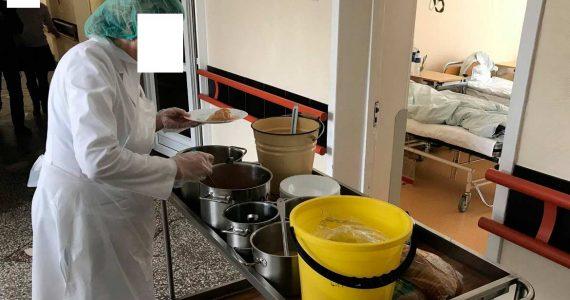 Сотрудницы больницы в Ставрополе воровали еду из пищеблока